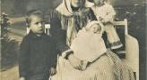 Kobieta z 3 dzieci.jpg